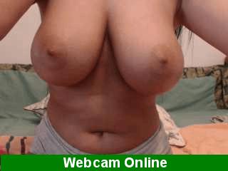 Mujer en directo con grandes tetas naturales en webcam porno