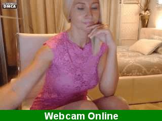 Rubia caliente follando con su novio por la webcam
