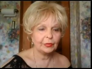 Señora madura se masturba con su cam en directo