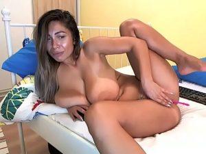 Masturbación en Directo con Tetona