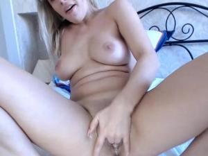 Masturbación en Vivo en Chat muy Guarra