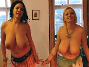 Tetonas Bailando Desnudas Danza del Vientre