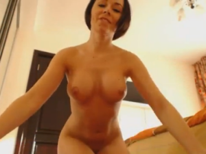 Morena hace un Streptease muy Sexy por Cam