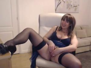 Mujer Casada se Masturba en un Videochat