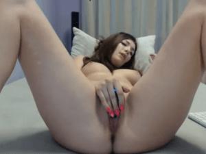 La Encantadora Janine tiene un Gran Orgasmo