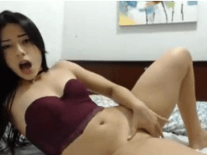 Chica Viciosa Masajea su Clítoris hasta el Orgasmo