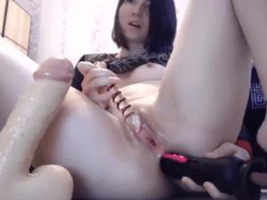 Espectáculo Porno con 3 consoladores en Videochat