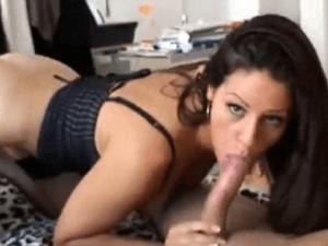 Pareja se Graban con la Cámara Web Teniendo Sexo