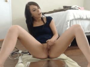 Rica Eyaculación Femenina por Cam con Vibrador