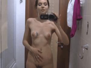 Morena De España Graba Desnuda Con Videocámara Webcam Pornoes