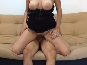 Follando en el Sofá en su Primer Casting Porno