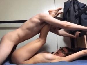 Novios haciendo el Amor en la Cama por Webcam