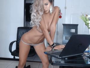 Show Porno en la Oficina con Secretaria Morbosa