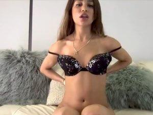 Verónica se Masturba en Show Privado de Webcam