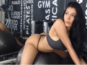 Show Porno en el Gimnasio para Usuarios del Chat