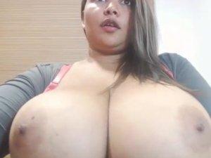 Gordita Sola Haciendo un Stripper en el Chat de Vídeo