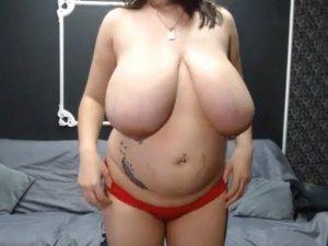 Señora con Curvas Pronunciadas Juega en Webcam