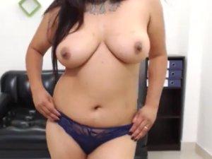 Señora Zorra Moja su Coño en el Videochat