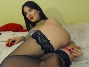 Sexy Tetuda se Masturba Sensualmente por Chat