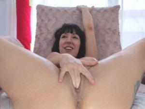Corrida Porno de una Estupenda Camgirl