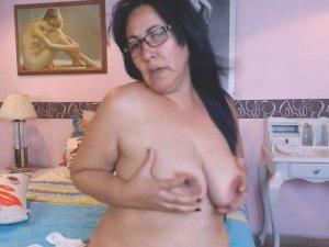Cincuentona Gordita por Webcam muy muy Caliente