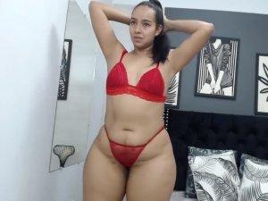 Baile Sexual de una Chica de Rojo en Videochat