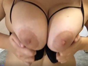 Tetones de una Gorda Hot en la Webcam